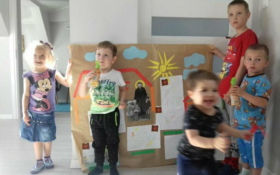 Zbiórka Schronienie dla matek z dziećmi - zdjęcie główne