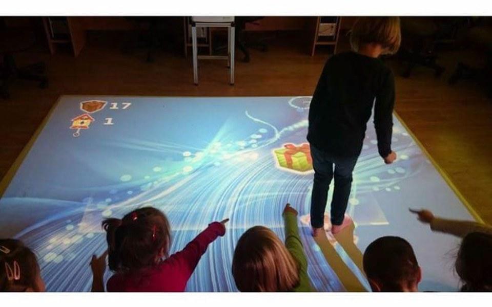 Zbiórka E-dywan - Podłoga interaktywna - zdjęcie główne