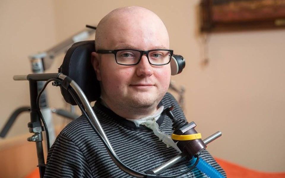 Zbiórka Pomóżmy Pawłowi w rehabilitacji - zdjęcie główne