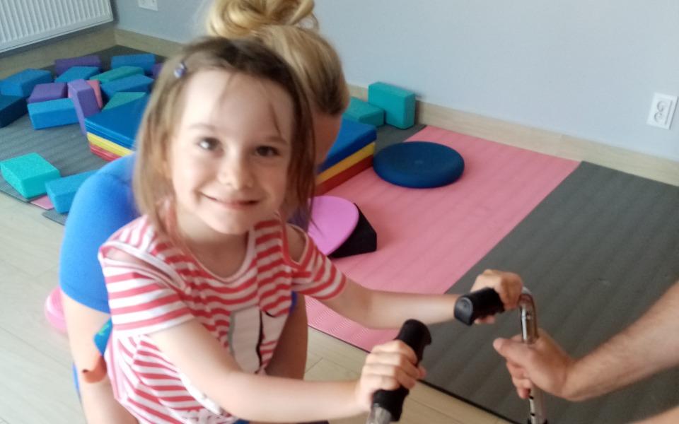 Zbiórka Turnus rehabilitacyjny dla Julii - zdjęcie główne