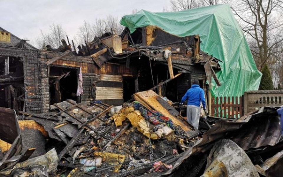 Zbiórka odbudowa spalonego domu w Wawrze - zdjęcie główne
