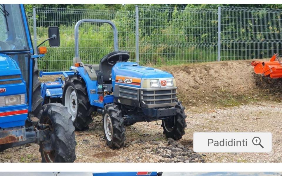 Zbiórka Na traktor dla uprawy ziemi. - zdjęcie główne