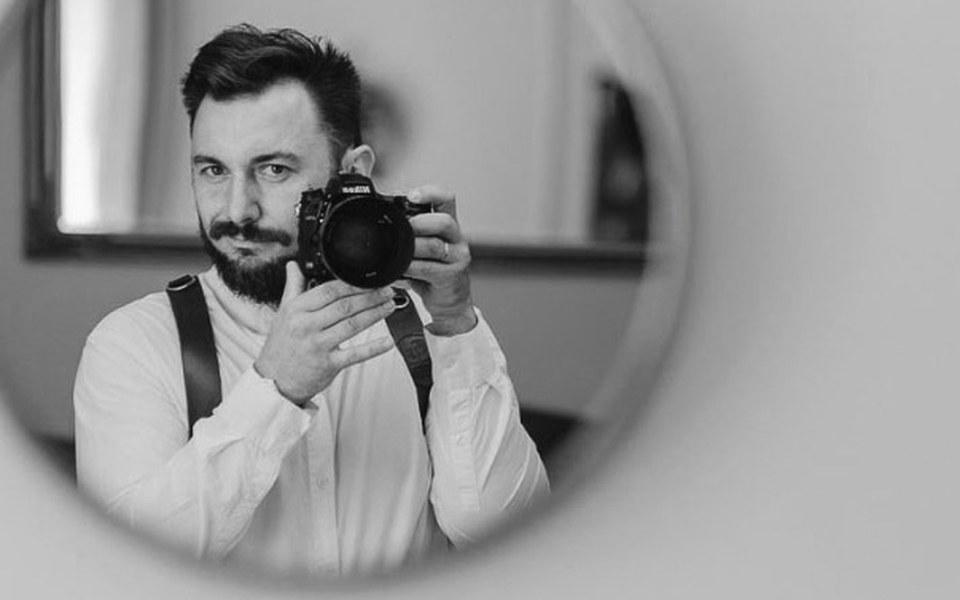 Zbiórka Ręka fotografa - zdjęcie główne