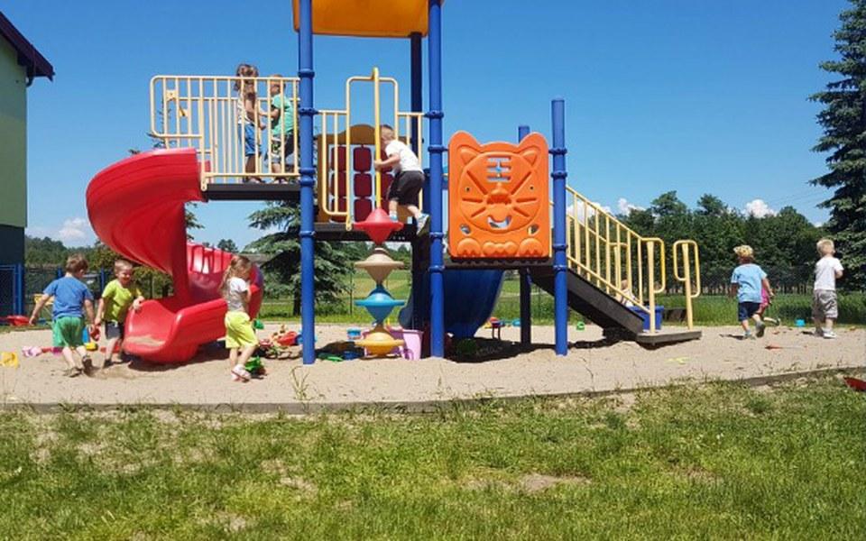Zbiórka Na nowy i bezpieczny plac zabaw - zdjęcie główne